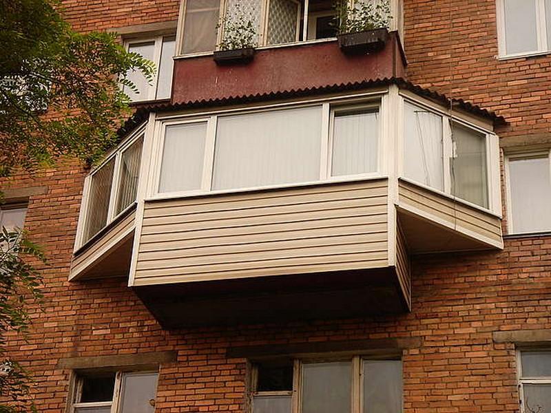 Отделка балкона с выносом фото.